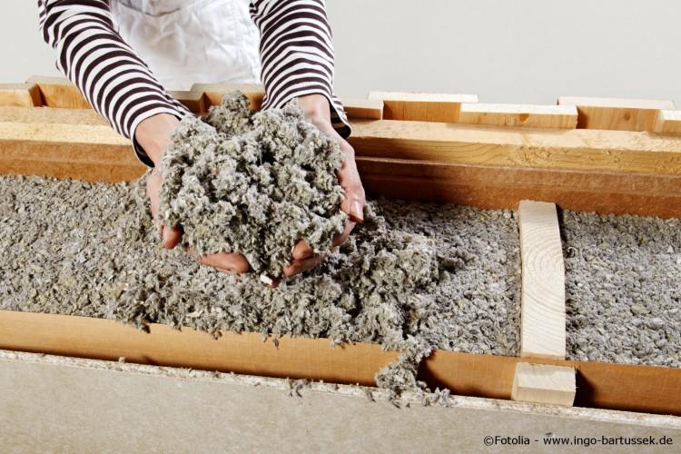 oekologische-waermedaemmung-zellulose